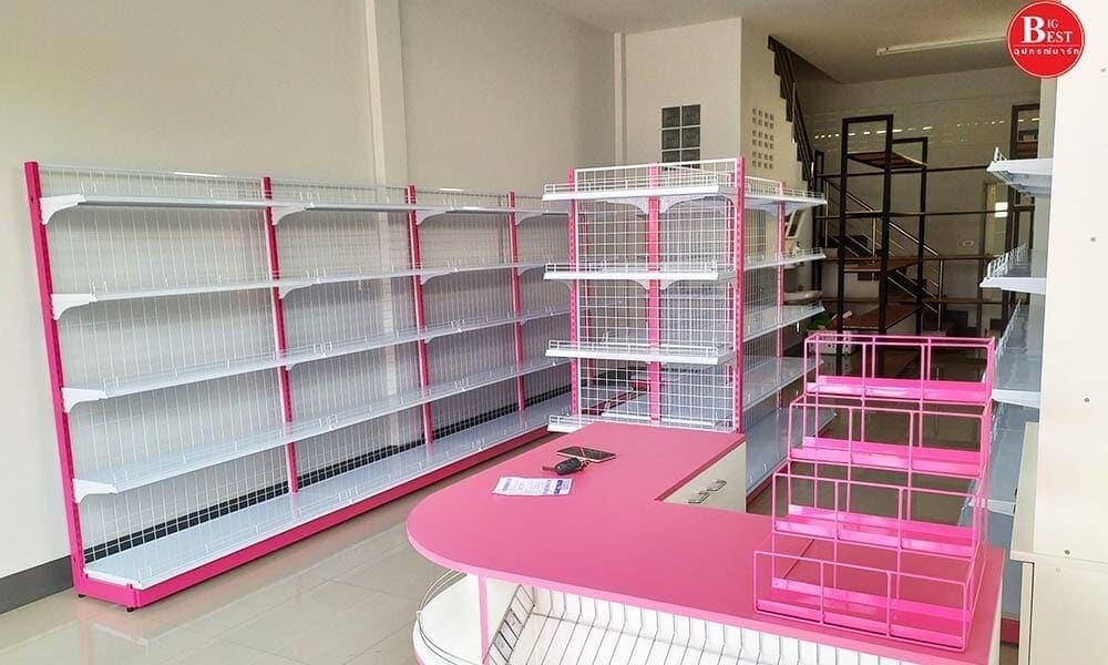 เชลฟ์สีชมพูในแบบร้านขายของชำขนาดเล็ก